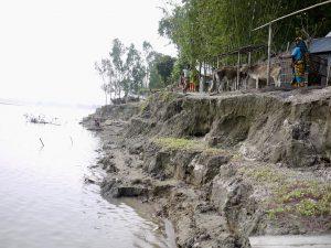 Schwere Monsunregenfälle überschwemmen große Teile von Bangladesch.
