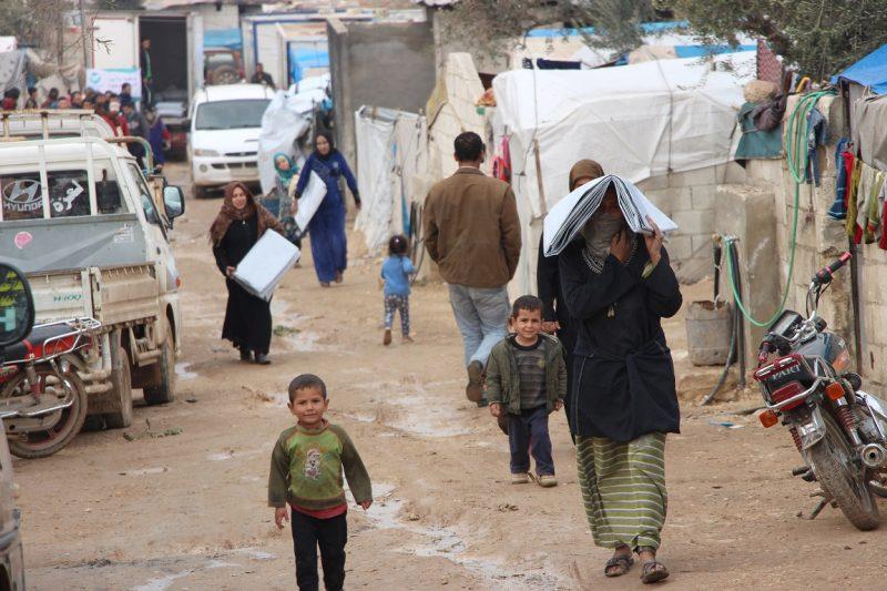 Familien in Syrien erhalten winterfeste Hilfsgüter_klein