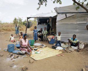 Kunyumba bedeutet Zuhauase. Die Katastrophenhilfe von ShelterBox hilft bei der Rückkerh zur Arbeit.