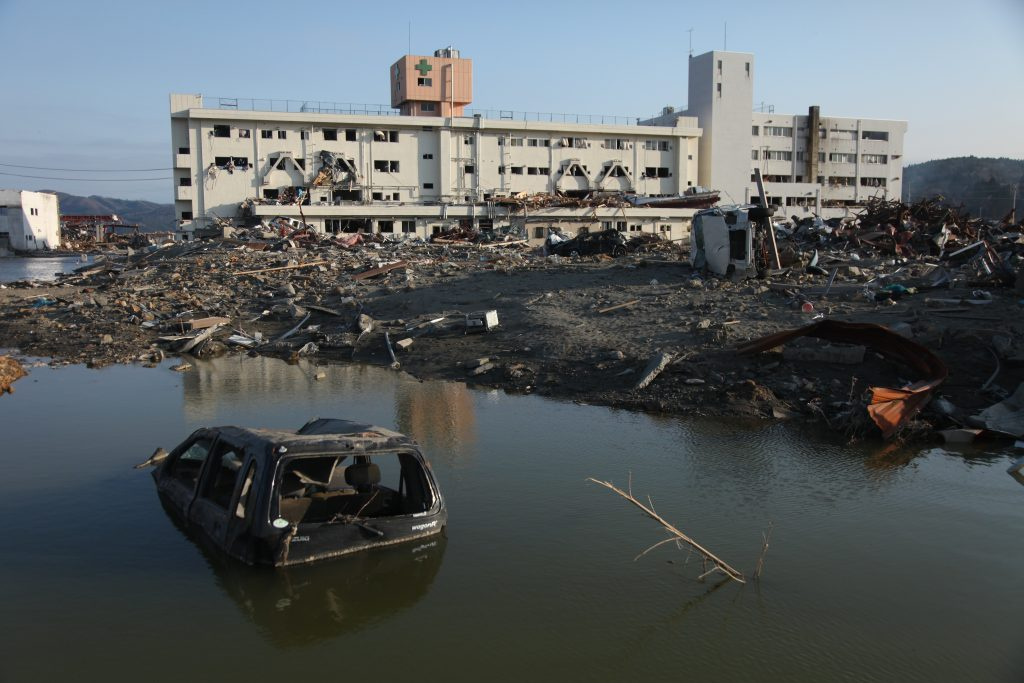 ShelterBox wird 20 Jahre alt. Hier sieht man ein Bild nach dem verheerenden Erdbeben und Tsunami in Japan im jahr 2011