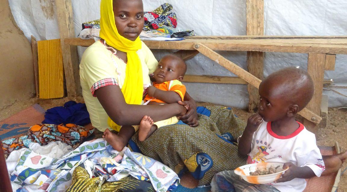 Esther und ihre Kinder auf der Flucht vor Boko Haram