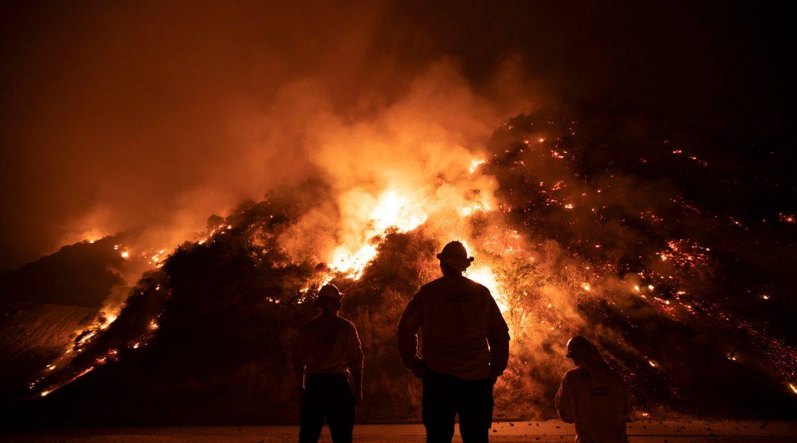 Feuerwehrleute bei Bekämpfung der Waldbrände in Kalifornien 2020