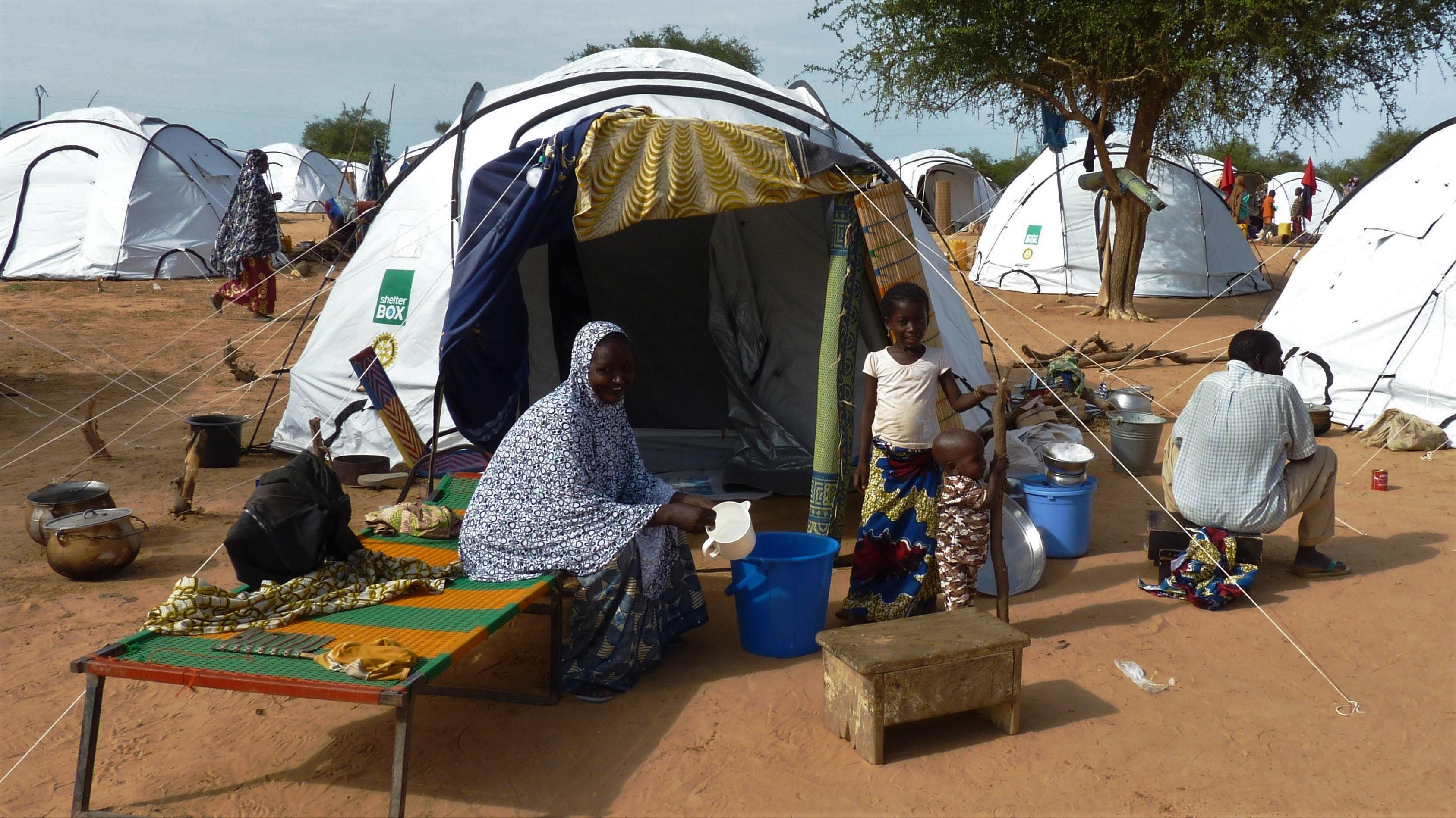 Naturkatastrophen in Afrika: ShelterBox unterstützt Menschen in Nigeria nach einer Flut 2012